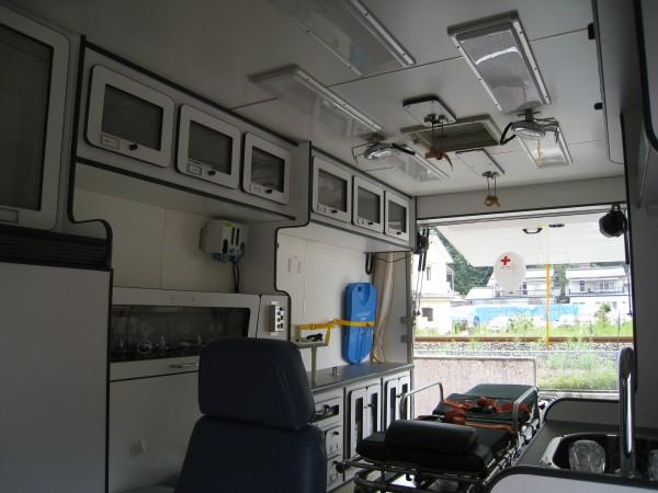 日本に一台の救急車の車内