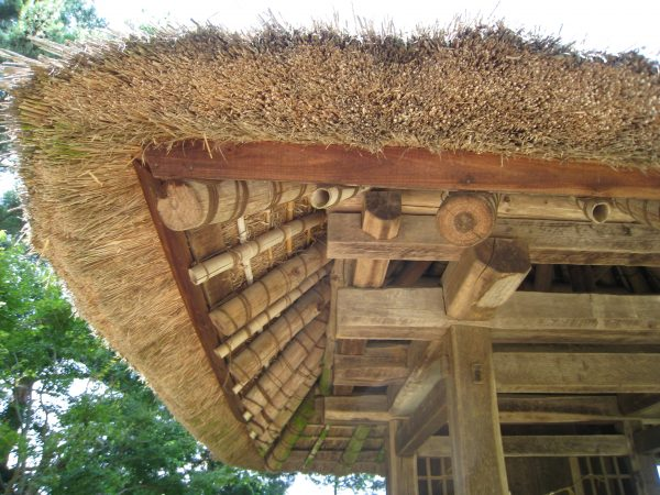 茅葺き屋根