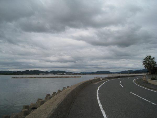 神島をドライブ