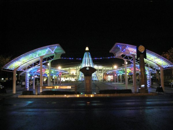 夜の井原駅ミナクルネ