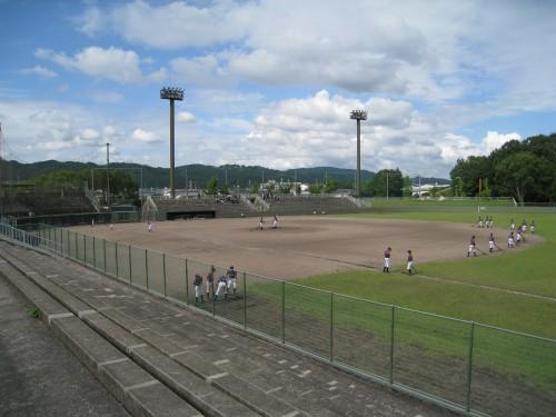 井原運動公園野球場