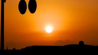 空が真っ赤になる夕日を眺めたぞー!!田舎ならではの楽しみの1つかな?【いかさつーフォト】