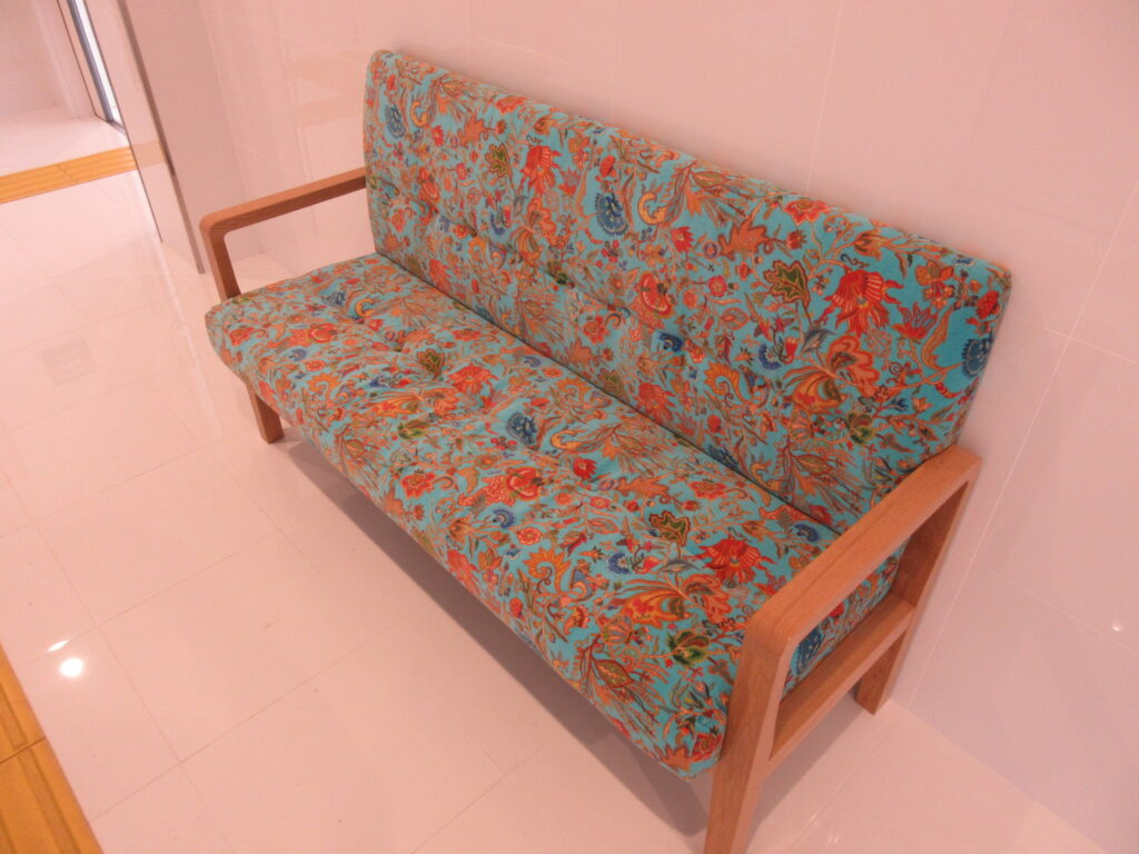 デザイナーの手がけた豪華な椅子